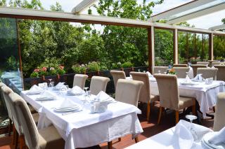 Bigstock-Empty-Restaurant-118874453