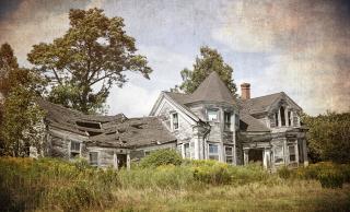 Bigstock-Abandoned-falling-down-house--103024496